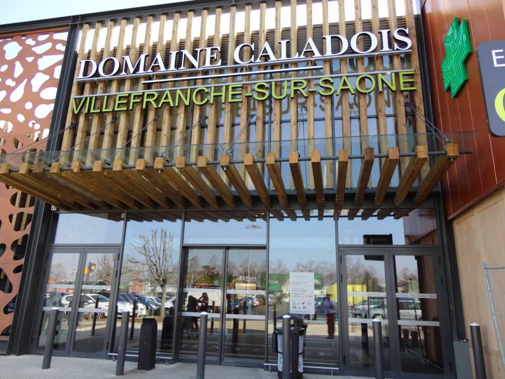 villefrance-sur-saône, centre commerciale, commerce, casino, récupération eau de pluie, eau de pluie
